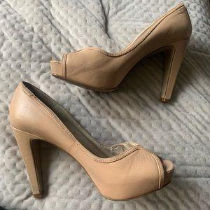 nude/beige heels size 6